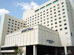 新潟市の中心部・萬代橋の袂に建つホテルオークラ新潟