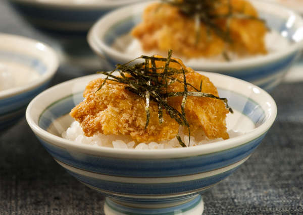新潟のB級グルメ「タレカツ丼」は甘じょっぱいタレがクセになります