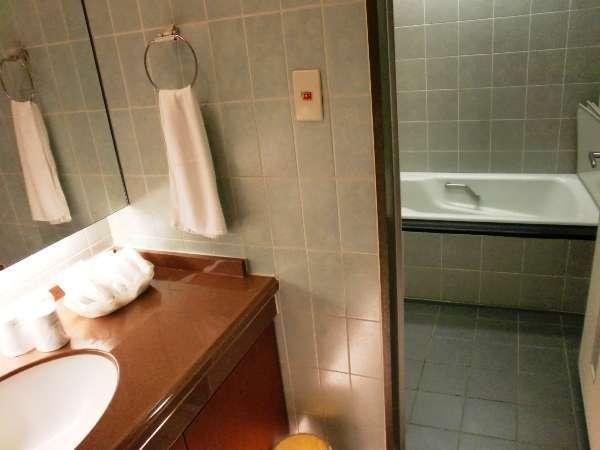 和室はお風呂とトイレが別になってます