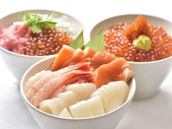 いくらや新鮮刺身が盛り放題!海鮮勝手丼の一例
