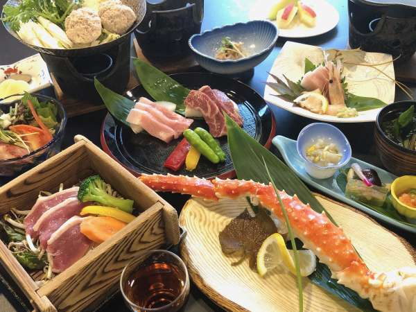 本タラバ蟹と牛・豚・地鶏・鴨の食べ比べ