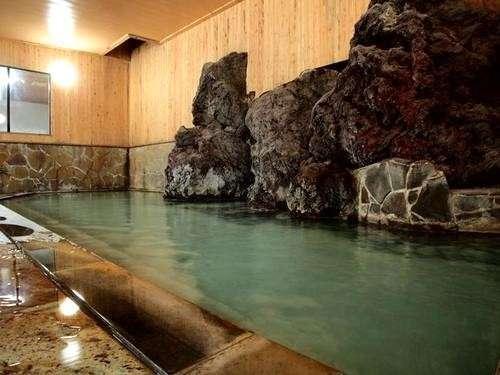 【湯治湯坊 旬樹庵 ハイランドホテル山荘】天然温泉を満喫、お風呂と朝ご飯が自慢の宿