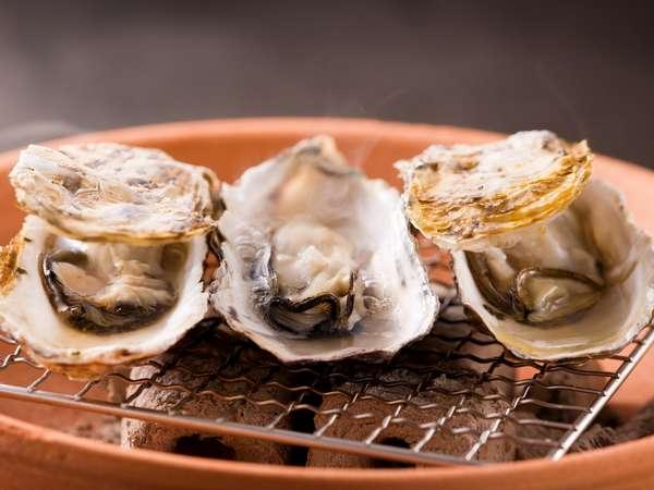 広島 宮島冬の旬の味覚 牡蠣かき