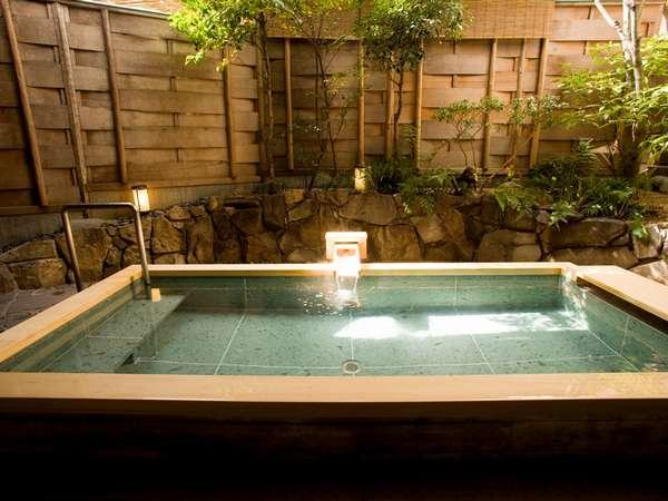ひばの香り漂う大浴場露天風呂
