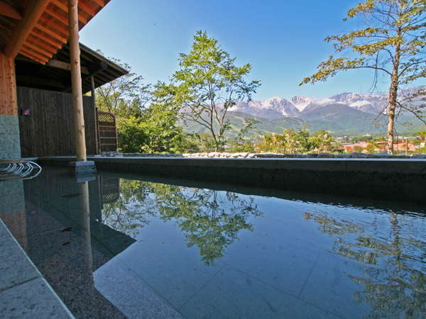 【わらび平の湯】目の前の山を眺めながらの温泉でストレス発散しましょう