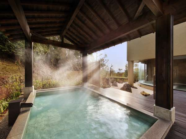 大浴場 月の湯 露天風呂(昼)
