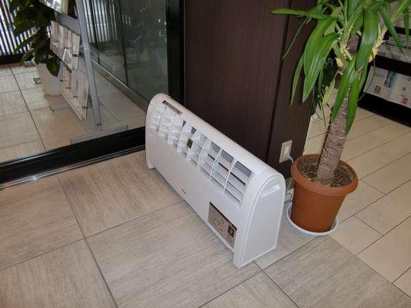 プラズマクラスター空気清浄機をロビーに設置。心地よい空気でお出迎えします。