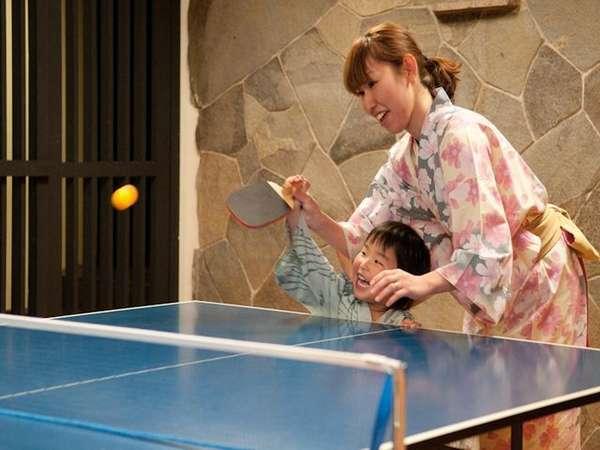 家族みんなで卓球 楽しいね!!