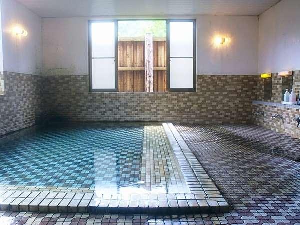 源泉かけ流しの温泉【女性大浴場】