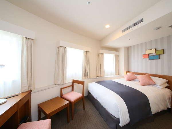 <スタンダードダブルルーム(一例)>カップルでのお泊りに最適です♪