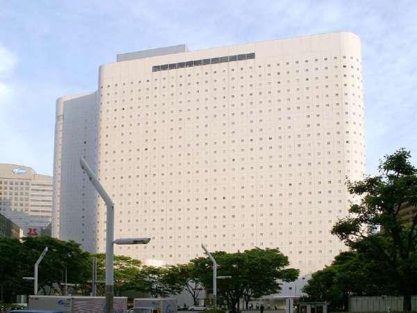 ホテル本館・外観