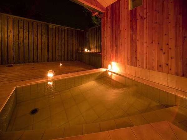月明かりの夜には照明を消して月光浴を楽しめます。