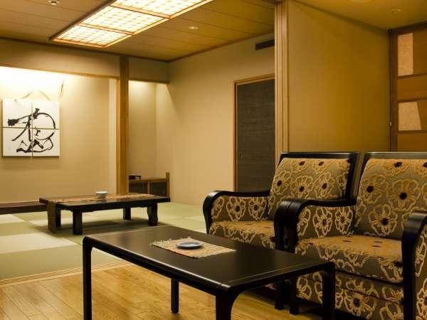 ※特別室【森のスイート・藍】(70㎡)檜香る風呂も有り、贅沢な時間を満喫できます。