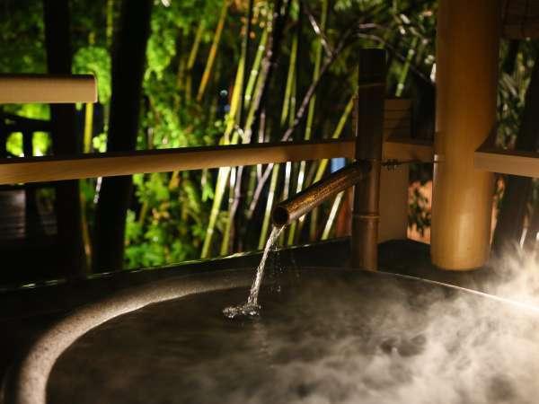 松籟荘【露天風呂付・撫子】 お風呂は四季折々の坪庭を眺めながら。