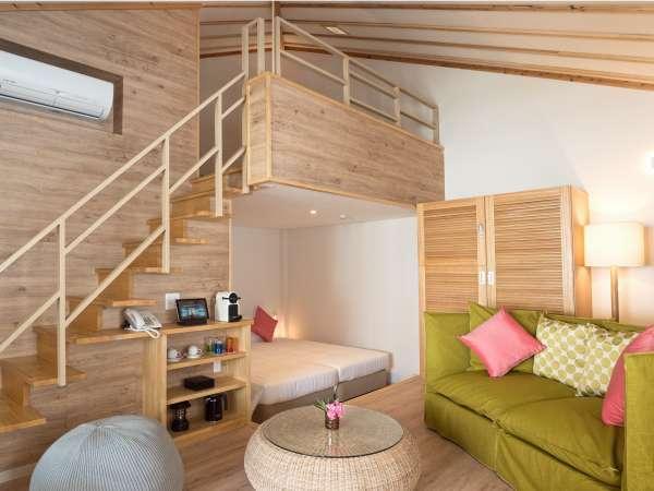 客室一例/広さは室内42㎡(+ロフトつき)+テラス10㎡