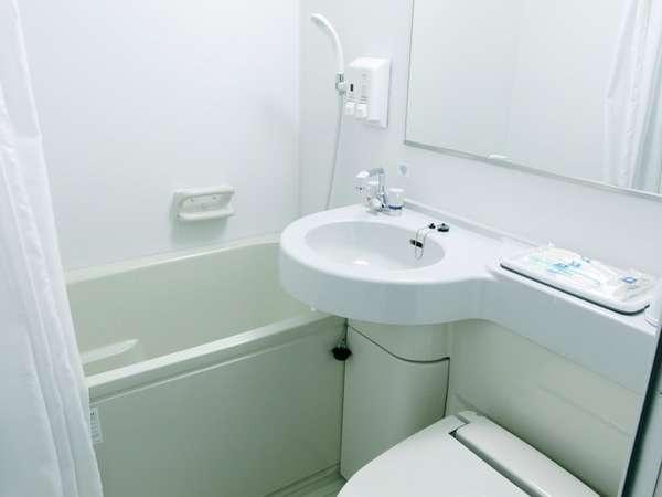 ユニットバス◆浴槽は深さがあり、肩までゆったり浸かれます。