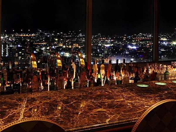 バー 夜になるにつれ輝きの増す市街地の景観