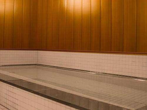 温浴施設浴槽