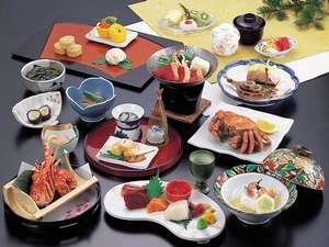 羊蹄山麓の野菜と噴火湾の魚介を中心に作りあげた和食会席をお部屋でゆっくりと。写真は「きらめき」(一例)