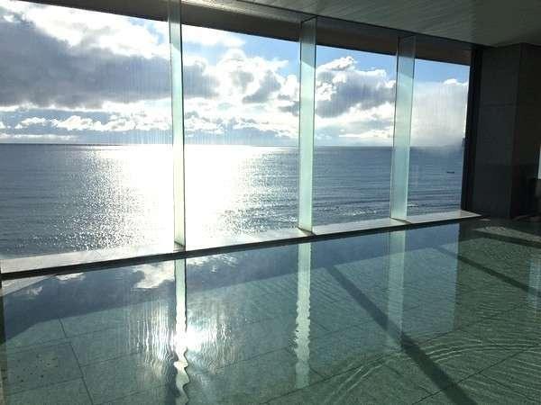 【平成館 しおさい亭】津軽海峡を見渡せる絶景の宿。湯の川温泉バス停目の前の好立地。