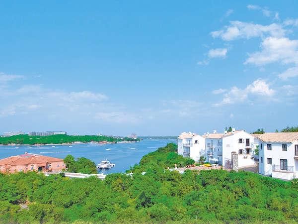 地中海の街並みと英虞湾の風景