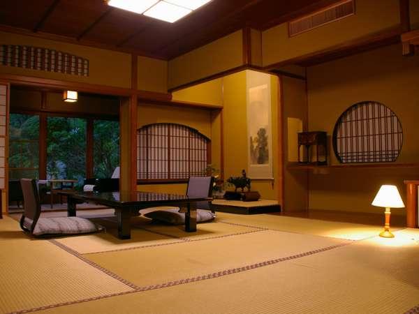 中庭を望む客室(10畳)の一例です