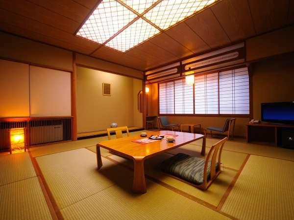 【本館和室】スタンダードな和室のお部屋。個別空調、空気清浄機完備。