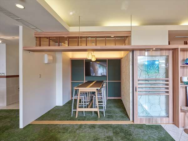 【コワーキングラウンジ】個室ミーティングスペース