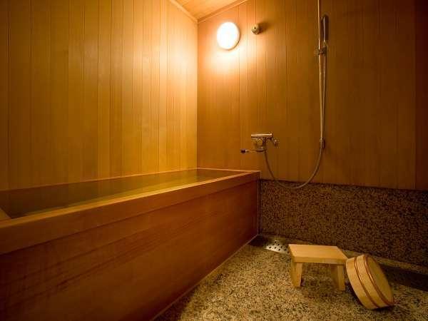 和室のお風呂は全室檜風呂です。