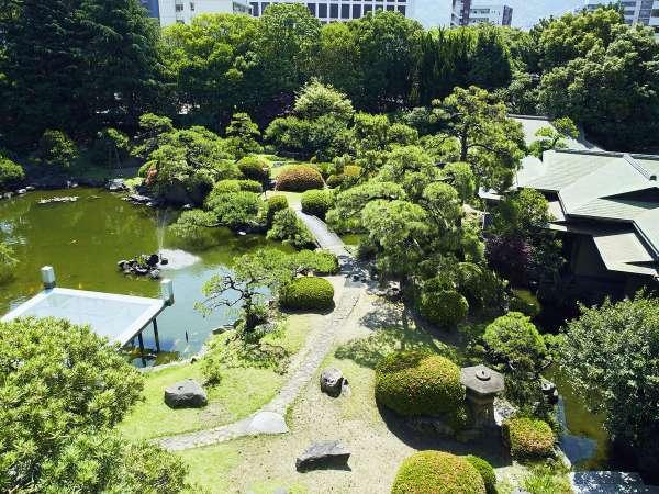 日本庭園※明治時代に造られた約700坪の日本庭園です。