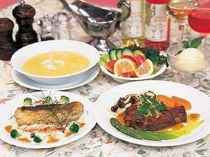 奥様自慢の料理は高原野菜を使い味もボリュームも◎!!