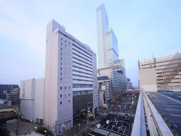 都シティ大阪天王寺の外観。各線の天王寺駅直結です。