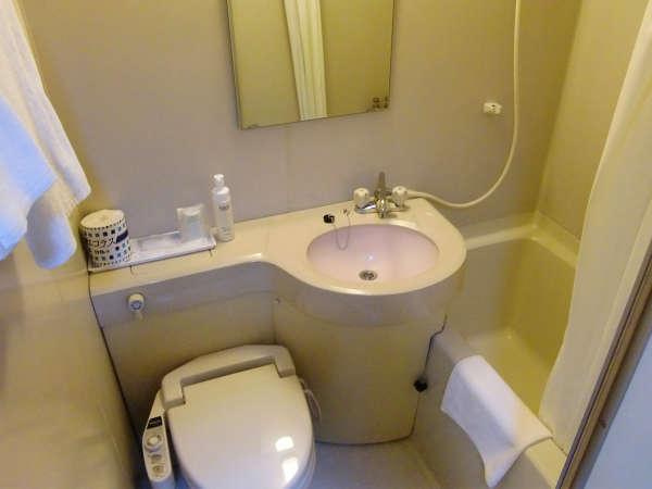 シャワートイレ付ユニットバス。