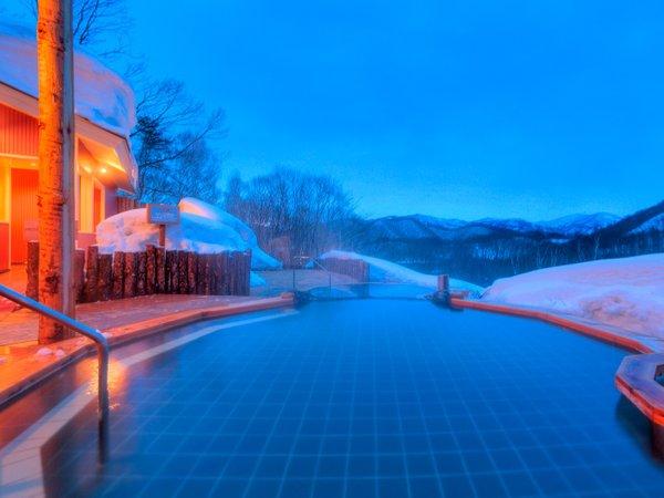 眺望の湯 冬夕景 とろっとした泉質の美肌の湯はみなかみ随一の泉質。