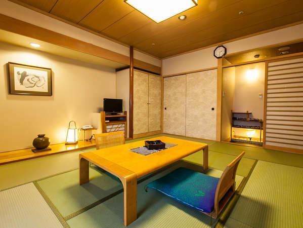 落ち着きのスタンダード純和室。部屋の木目に特殊な加工を施し、自然な明るさで清潔感を感じさせます