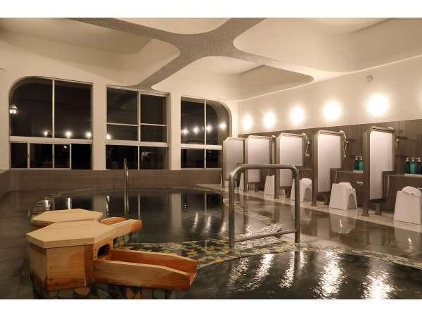 夜の大浴場も雰囲気がとてもいい