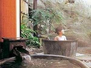 貸切風呂「かめの湯」の露天風呂