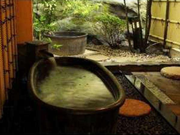 貸切風呂「かめの湯」。2種類の湯船をまるごと貸切でお楽しみください