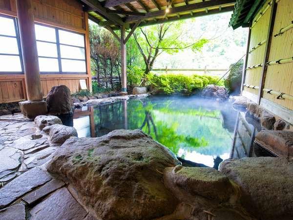 【旅館 白滝】柔らかな湯は貸切で。豊かな自然の中、家族・夫婦でゆっくり寛ぐ宿