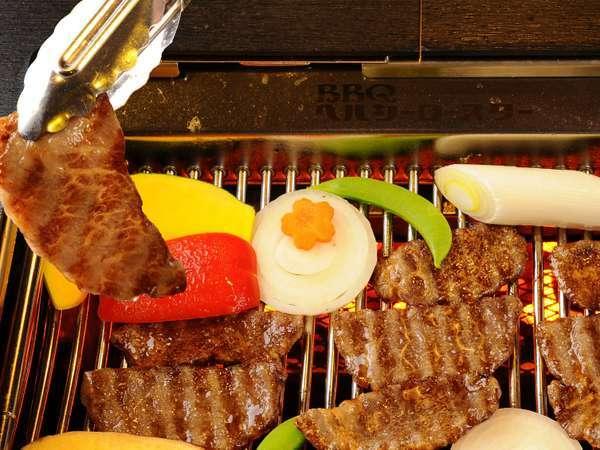 煙が出ない無煙ロースター!余分な脂分が落ちるのでお肉もヘルシーにお召し上がりいただけます。
