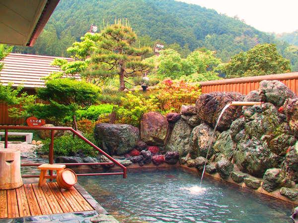 温泉浴と森林浴を同時に体感できる美人の湯