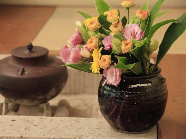 館内には四季折々のお花もお楽しみいただけます♪