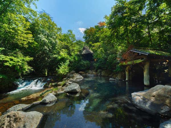 【黒川温泉 山あいの宿 山みず木】人里離れた山あいの宿で川を眺めつつ…露天風呂に浸かる至福の時間