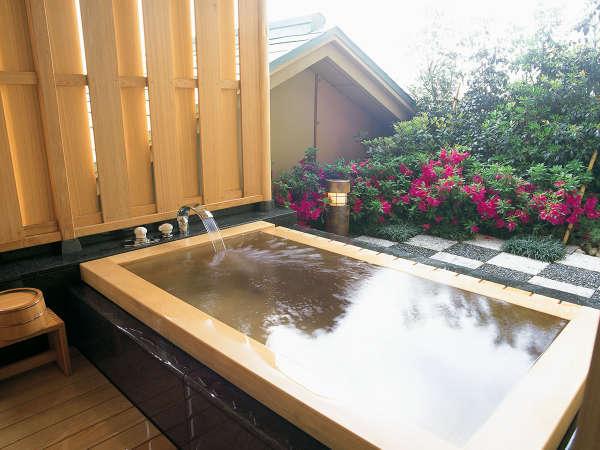 【藤の棟 露天付 Bタイプ】スイート和室(禁煙) 露天風呂一例