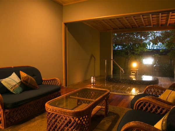◆貸切湯浴み処 碧-AO-◆専用リビングがついた半露天の貸切風呂。錦江湾をイメージしております。