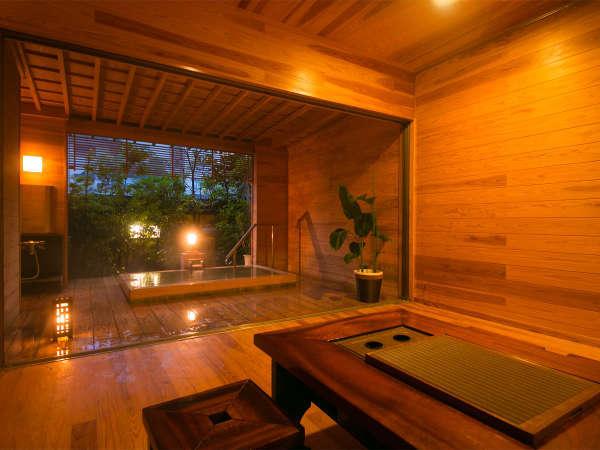 ◆貸切湯浴み処 檜-HINOKI-◆専用リビングがついた半露天の檜の貸切風呂。