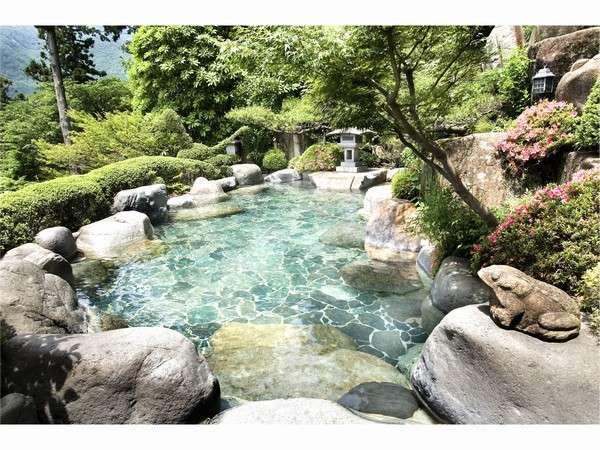 【下呂温泉 湯之島館】創業昭和六年。下呂の街並みを望む下呂富士の山中に佇む老舗の宿。