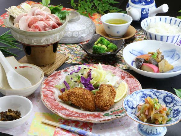 ■【ご夕食一例】オーナー自ら市場で仕入れた産地や旬の食材にこだわる和食をご提供。