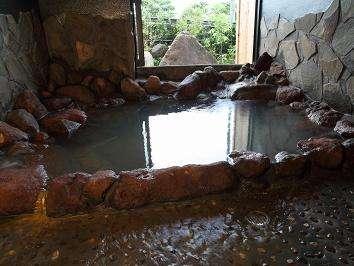 貸切風呂「岩神の湯」で厳かに浸かって下さい♪