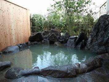 貸切風呂「露天の湯」やっぱ温泉は露天じゃなきゃね♪